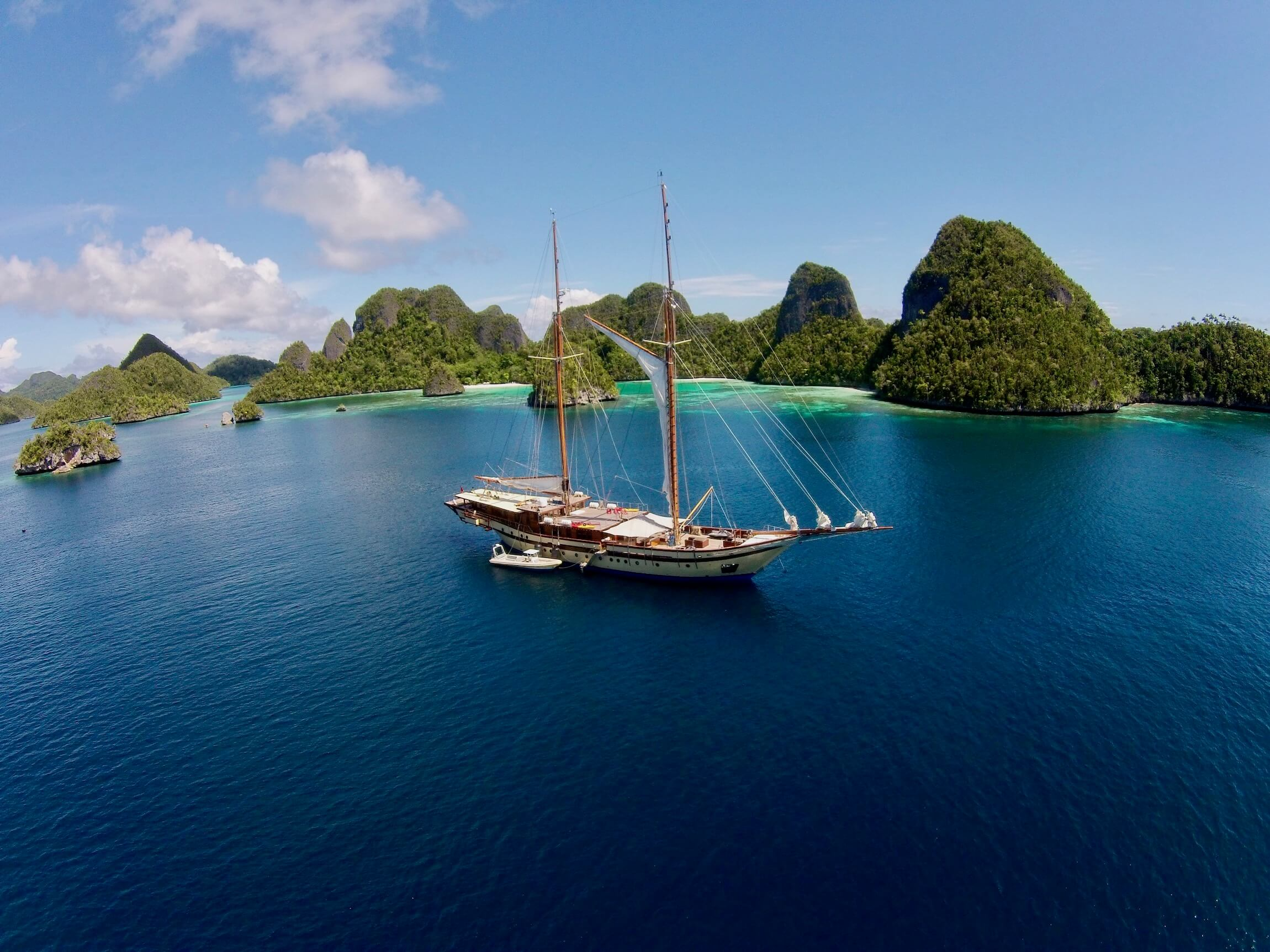 Yacht charter Sorong to Raja Ampat islands