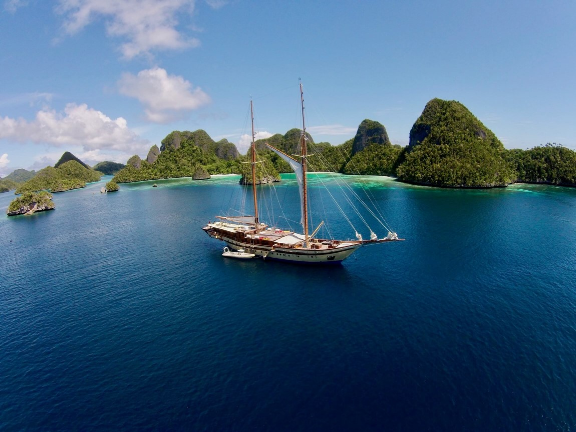 Yacht charter Bali to Banda islands